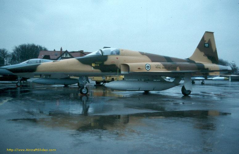 الموسوعه الفوغترافيه لصور القوات الجويه الملكيه السعوديه ( rsaf ) 84-0196_3