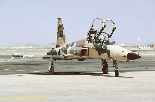 الموسوعه الفوغترافيه لصور القوات الجويه الملكيه السعوديه ( rsaf ) F-5f_4